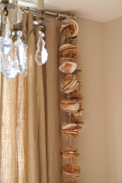Macaroon garland