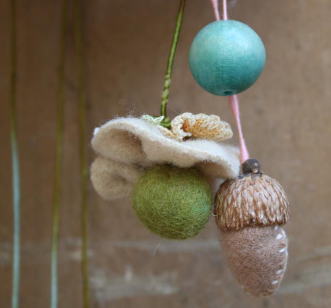 Mary mobile bead:acorn:flower