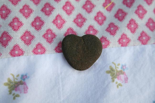 Rock weight heart