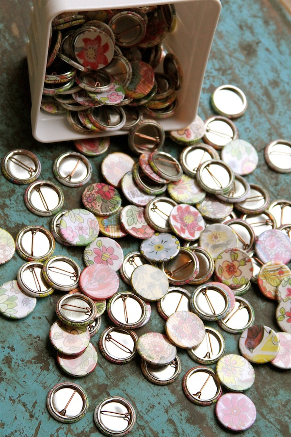 flair pins,buttons