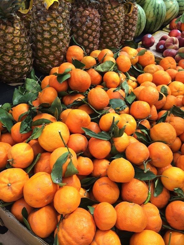 Flea market oranges