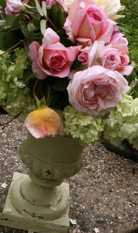 Flowers_in_urn