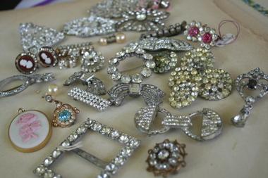 Rhinesone_jewelry_2