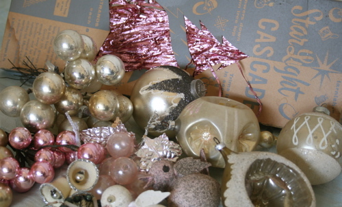 Flea_market_ornaments