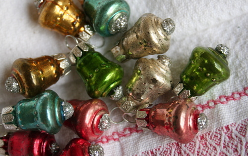 Little_bell_ornaments_2