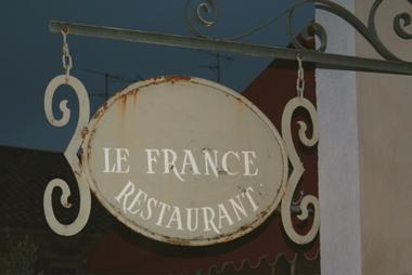 Paris_sign