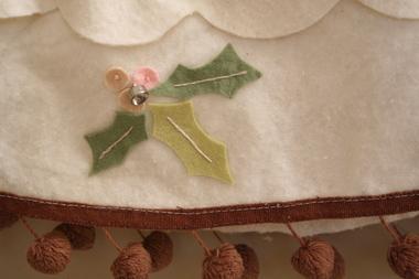 Tree_skirt_2